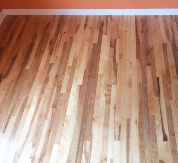 Flooring | Yellow birch | Wood | Knots
